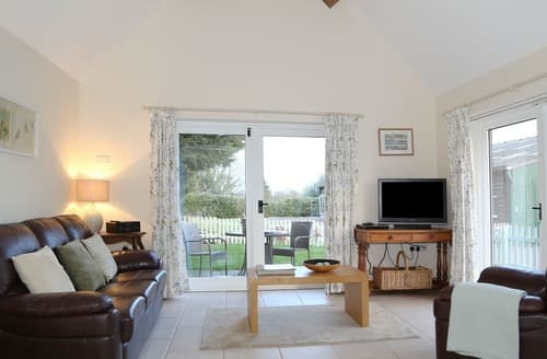 Last Minute Cottages - Cosy Near Shrewsbury Cottage S167446