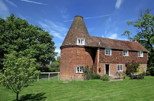 Last Minute Cottages - Leacon Hall Oast