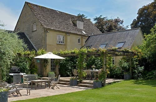Last Minute Cottages - Beautiful Near Burford Cottage S167523