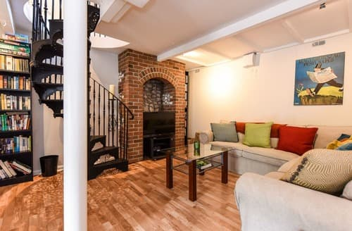 Last Minute Cottages - Dashwood Terrace