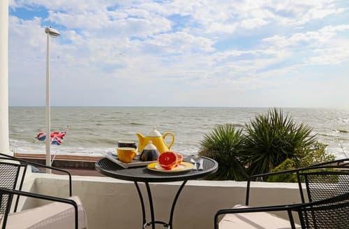 Last Minute Cottages - Seashore Apartment
