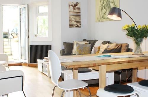 Last Minute Cottages - Beautiful Hove Apartment S167553