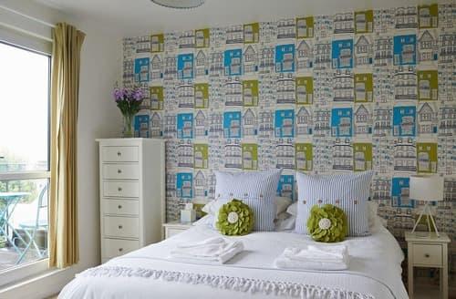 Last Minute Cottages - Exquisite Hove Apartment S167561