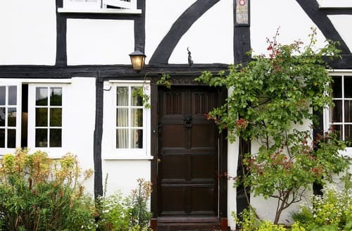 Big Cottages - Heron Manor and Mistletoe Cottage