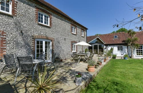 Last Minute Cottages - Delightful Near Chichester Cottage S167609
