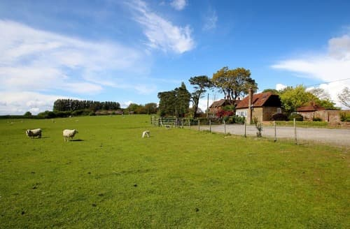 Last Minute Cottages - Garden and Stable Cottages