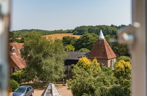 Last Minute Cottages - Spilstead Barn