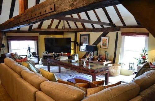Big Cottages - Dragon Hall