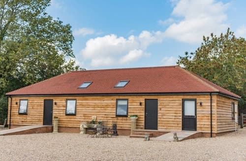 Last Minute Cottages - Waltham Barns