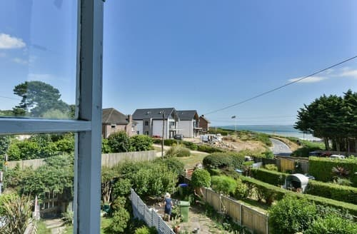 Last Minute Cottages - Beach View