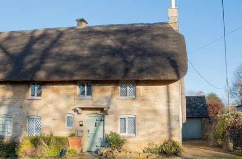 Last Minute Cottages - Inviting Near Burford Cottage S167703