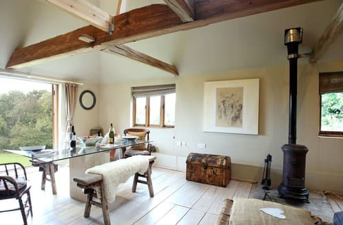 Dog Friendly Cottages - Stunning Danehill Cottage S167772