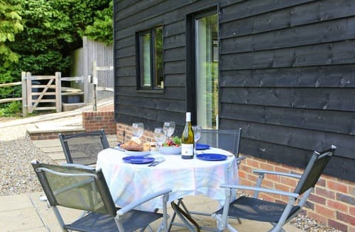 Last Minute Cottages - Leggs Field Barn 1