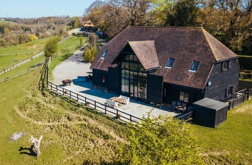 Last Minute Cottages - The Canterbury Barn