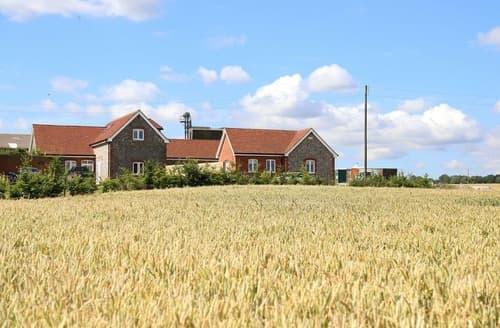 Last Minute Cottages - Down Court Farm Cottages