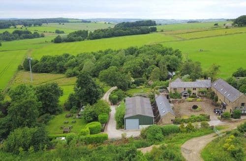 Last Minute Cottages - Holestone Moor Barns Luxury Holiday Cottages
