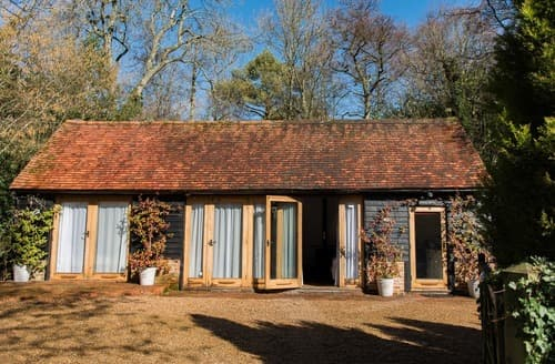 Dog Friendly Cottages - Stunning Maresfield Cottage S167866