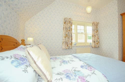 Last Minute Cottages - Cleeve Cottage