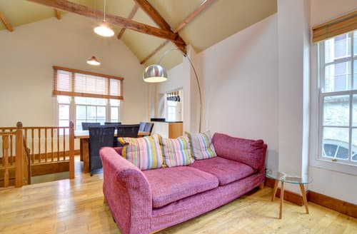 Last Minute Cottages - Merlin's House