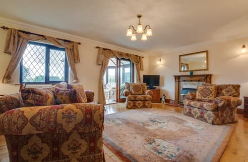 Last Minute Cottages - Three Gables