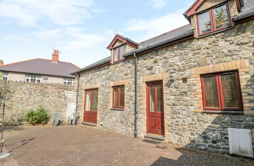 Big Cottages - 2 Hwyrfryn Stables
