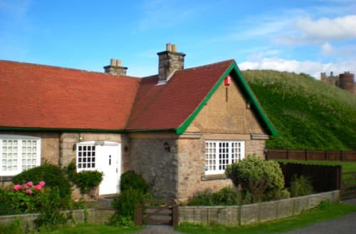 Last Minute Cottages - Coastguard Cottage