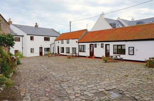 Last Minute Cottages - Excellent Seahouses & Beadnell Area Cottage S168048