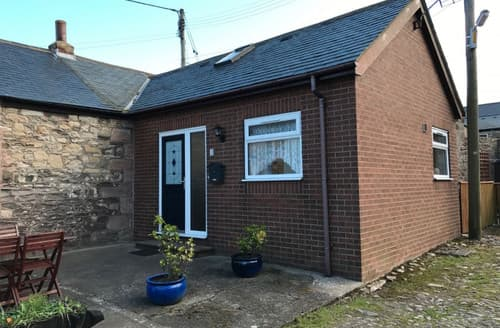Last Minute Cottages - Captivating Seahouses & Beadnell Area Cottage S168051