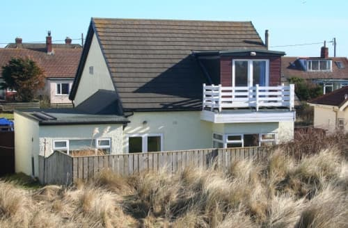 Last Minute Cottages - Delightful Seahouses & Beadnell Area Cottage S168052
