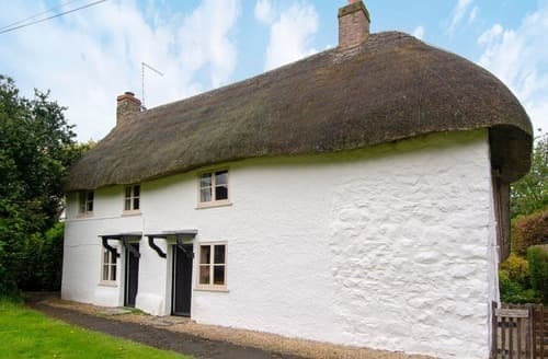 Last Minute Cottages - Tasteful Avebury Cottage S168216