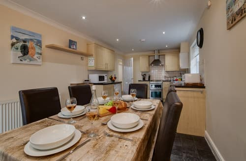 Last Minute Cottages - Attractive Bacton Cottage S168232
