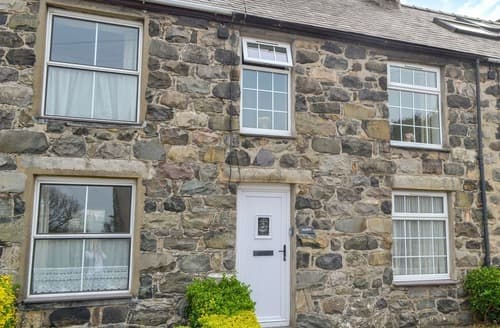 Last Minute Cottages - Quaint Clynnog Fawr Cottage S168365
