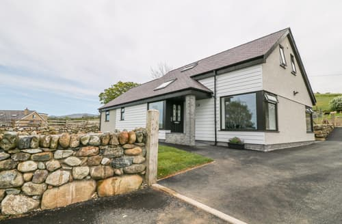 Last Minute Cottages - Llwyd Coed Canol