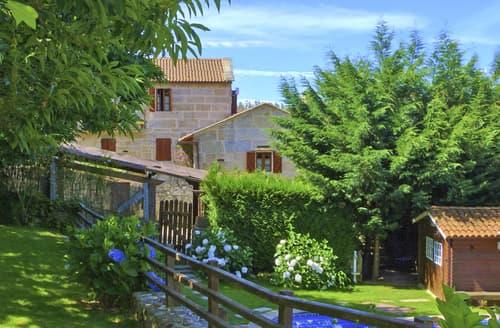Last Minute Cottages - Villa Lerez