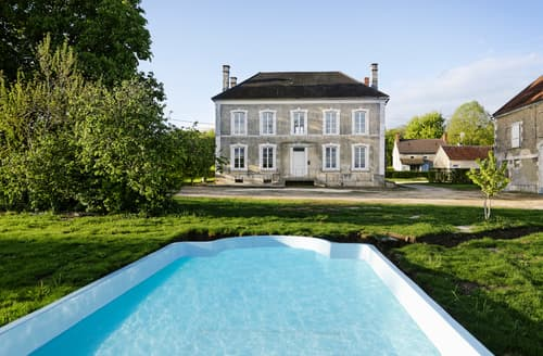 Last Minute Cottages - Maison Vogue