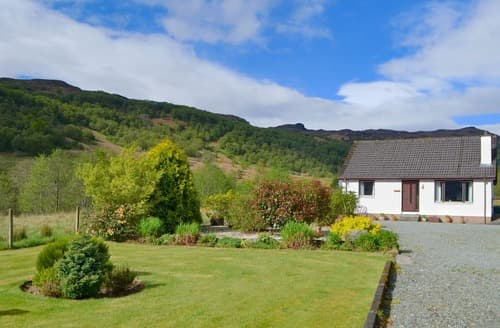 Last Minute Cottages - Glen View Cottage