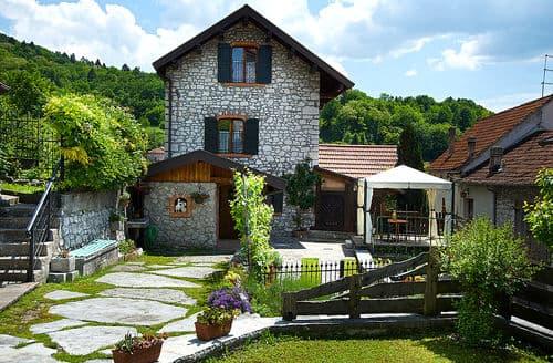 Last Minute Cottages - Casa delle Alpi