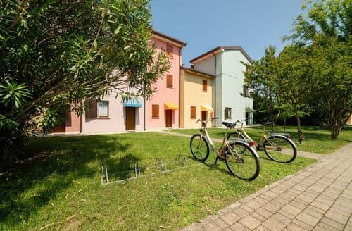 Last Minute Cottages - Village Albarella Trilo S3