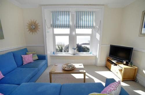 Last Minute Cottages - Inviting Langland Apartment S102537