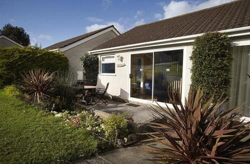 Last Minute Cottages - Beautiful Oxwich & Slade Lodge S102593