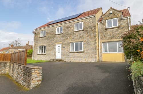 Last Minute Cottages - Kings Hill View