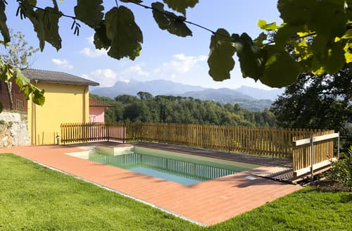 Last Minute Cottages - Villa Colletto