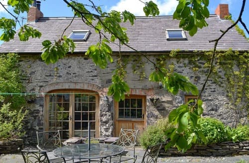 Last Minute Cottages - Hen Dy Goits