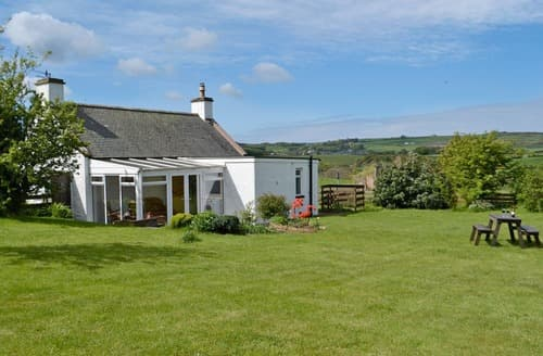 Last Minute Cottages - Hillhead Cottage