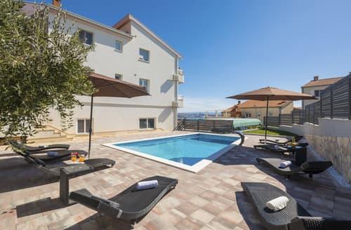 Last Minute Cottages - Villa Navio