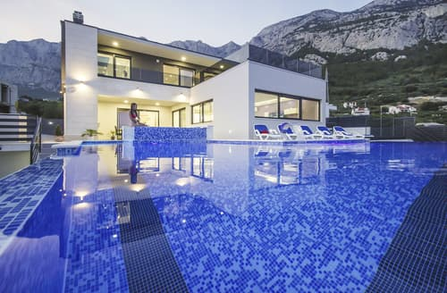 Last Minute Cottages - Villa Ares