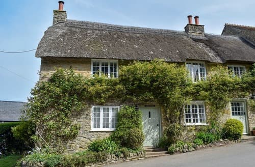 Last Minute Cottages - Burwell Cottage