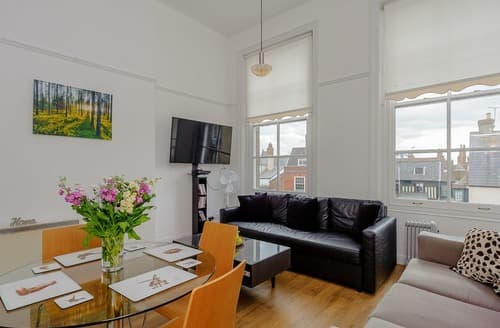 Last Minute Cottages - Quayside Apartment