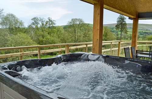 Last Minute Cottages - Woodland Lodge - UK6651