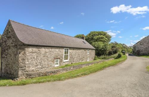 Last Minute Cottages - Old Parciau Cottage